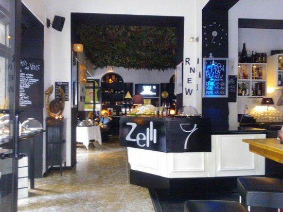 ZELLI WINE BAR-APERITIVO, Corso Vittorio Emanuele II, 35; 9€ locale molto carino in pieno centro. Luci basse ma bellissime recensioni. Da provare