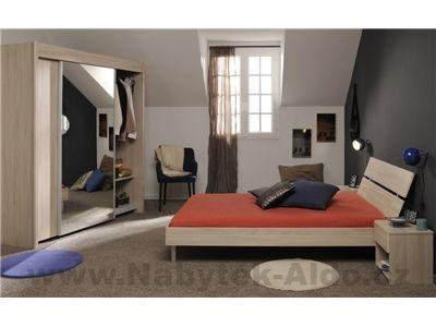 Moderní ložnice pro jednu osobu nebo studenta v dekoru světlého dřeva akácie