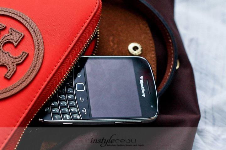 BLACKBERRY 9900 CEBU - A Review