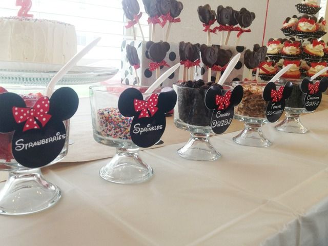 Sundae Bar at a Minnie Mouse Party #minniemouse #party