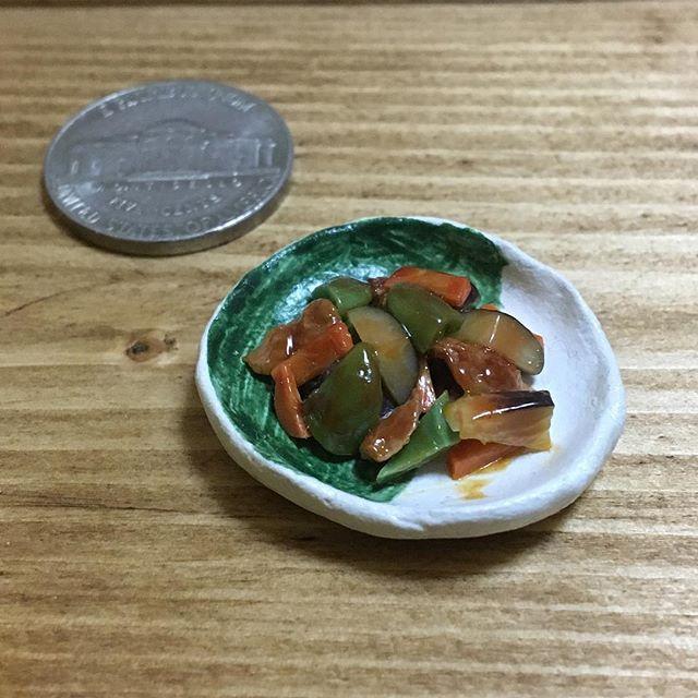 #味噌炒め #茄子 #ピーマン #人参 #豚肉 #日本食 #eggplant #greenpepper #carrot #pork #japanesefood 🍆🥕🍖 #claywork #handmade #miniature #miniaturefood #fakefood