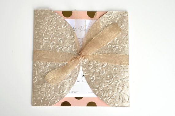Le titulaire de certificat-cadeau, cadeau bon emballage, enveloppe de certificat-cadeau, enveloppe de carte cadeau, photographe emballage, emballage cadeau élégant