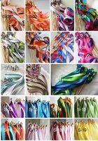 Envío gratis 20 unids Twirling vara serpentinas Favor de la boda palos cinta varitas campanas de 15 colores puede elegir