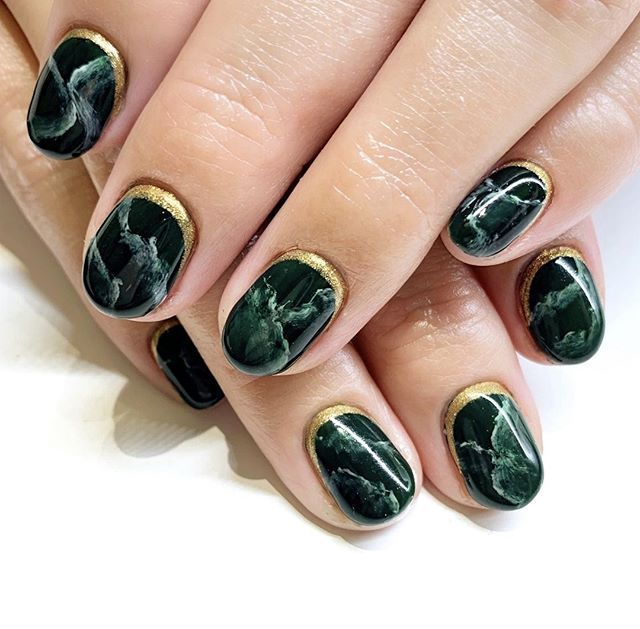 The Cleanest Deep Dark Green Marble Nail Art Design Accented With A Nice Gold At The Cuticle This Design Is Amazing For Natural Nails Nails Dark Nail Designs