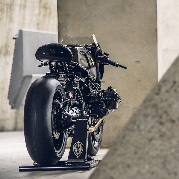 Custom bike BMW batman zwart Rough Crafts *: