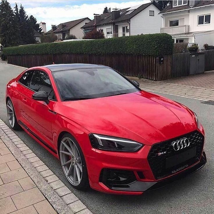 Audi Rs5 Rot Mit Schwarzen Akzent Akzent Audi Mit Rot Rs5