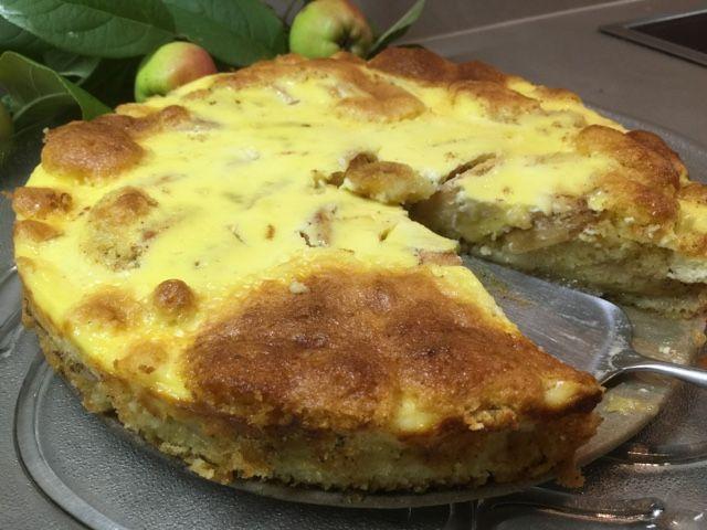 Patavahti: Omenapiiras, jossa turkkilaisesta jogurtista tehty...