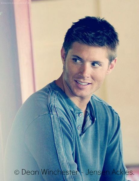 Oh my. delicious. Dean Winchester-Jensen Ackles