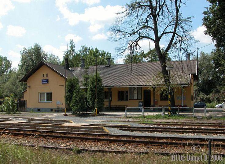 Esto es la estacion de trenes. Es cerca de mi calle.