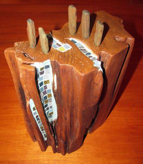 Maderas de Chiloé. Reciclaje de Alerce y Roble, con aplicaciones en teselas vítreas.