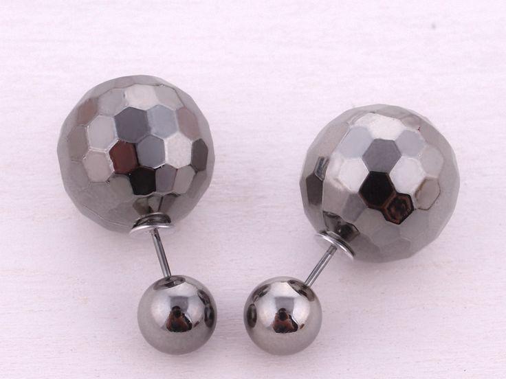 Ohrringe - HEXAGON Doppel Perlen Ohrstecker Ohrringe grau - ein Designerstück von Kleines-Karma bei DaWanda