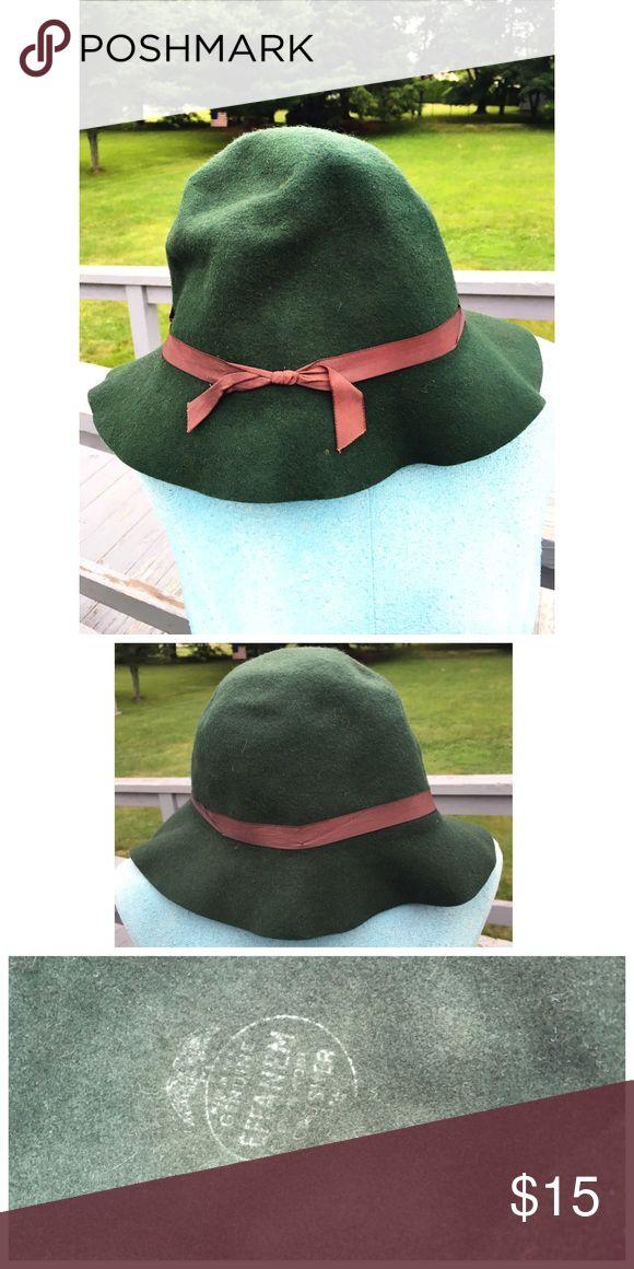 bdca4d872 GORGEOUS vintage 1960s Effanem Crusher wool hat! This is a beautiful ...
