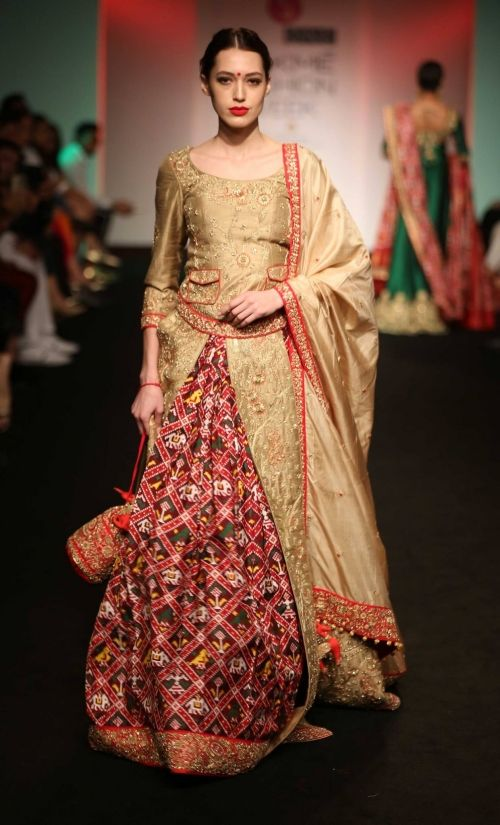 Saroj Jalan at Lakme Fashion Week - AW16 - Look 13