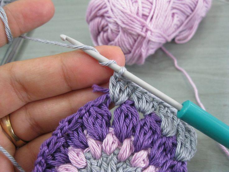 sunburst granny square tutorial free ♡ Teresa Restegui http://www.pinterest.com/teretegui/ ♡