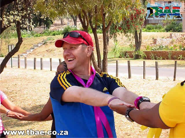 Momentum Amazing Race team building event at La Dolce Vita Guesthouse in Hartbeespoort, facilitated and coordinated by TBAE.