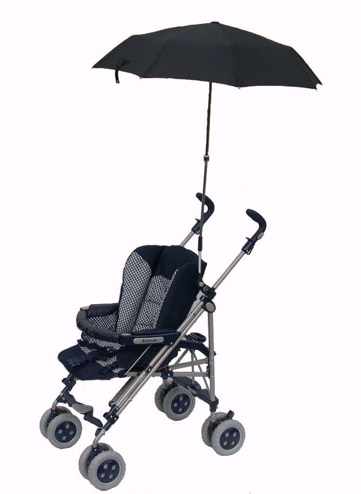 """Il nostro ombrello mamma è unico e inimitabile. Si aggancia al passeggino grazie a un attacco universale snodato che permette di inclinare l'ombrello nella posizione desiderata. Una volta chiuso diventa piccolissimo e trova spazio dentro qualunque borsa. Dotato di custodia e disponibile in 3 colori. Con il nostro ombrello finalmente tutte le mamme potranno """"...singing in the rain"""""""