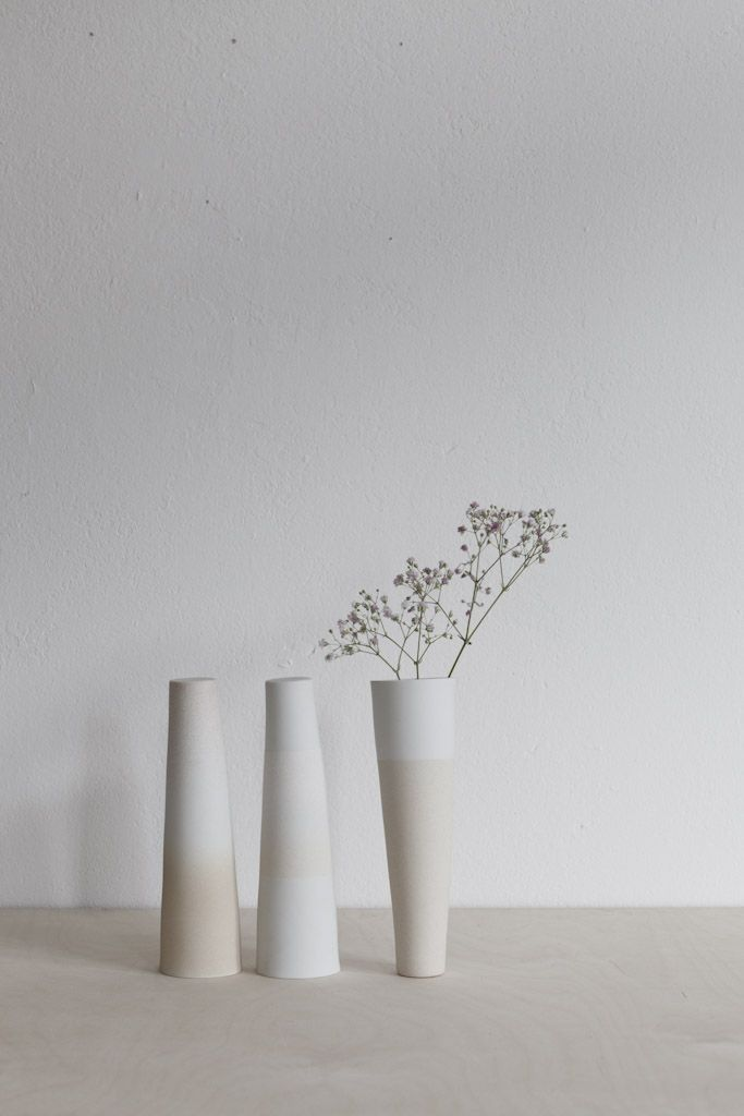 Minimalistic Ceramic Vases by Kirstie van Noort | Photo by Studio Oink
