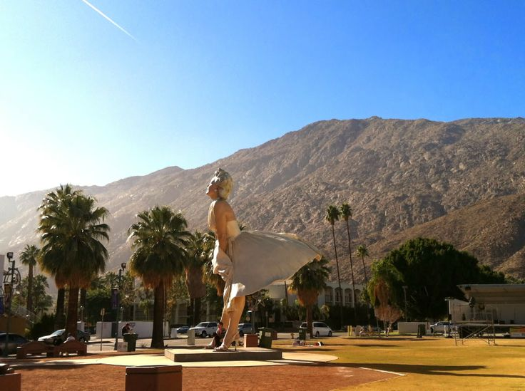261 best images about palm springs decor on pinterest for Marilyn monroe palm springs home