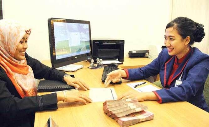 """Bank Indonesia (BI) berencana menurunkan suku bunga kartu kredit dari 2,95% menjadi 2,2%. Penurunan suku bunga kartu kredit ini akan dilakukan dalam waktu dekat ini. """"Dengan saat ini pemerintah..."""