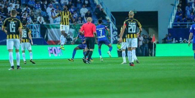 خبير تحكيمي يعلق على قرارات حكم كلاسيكو الهلال والاتحاد Soccer Field Soccer Field