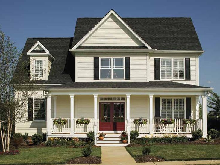 foto-de-modelo-de-casa-inglesa-de-dos-pisos.JPG (750×562): Red Doors, Country Porches, Dreams Houses, Style, Front Porches Design, Country Houses Plans, American Dreams, Wraps Around Porches, House Plans