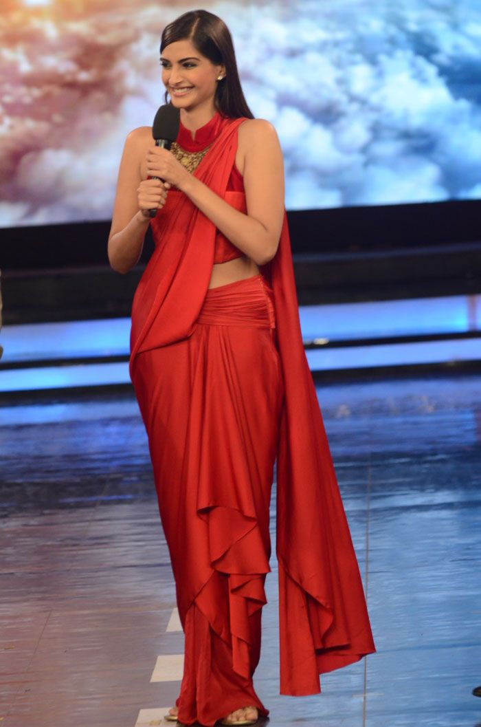 Sonam Kapoor made an appearance on the sets of 'Bigg Boss 8' to promote her upcoming movie 'Dolly Ki Doli'. She looked red hot in a sari.