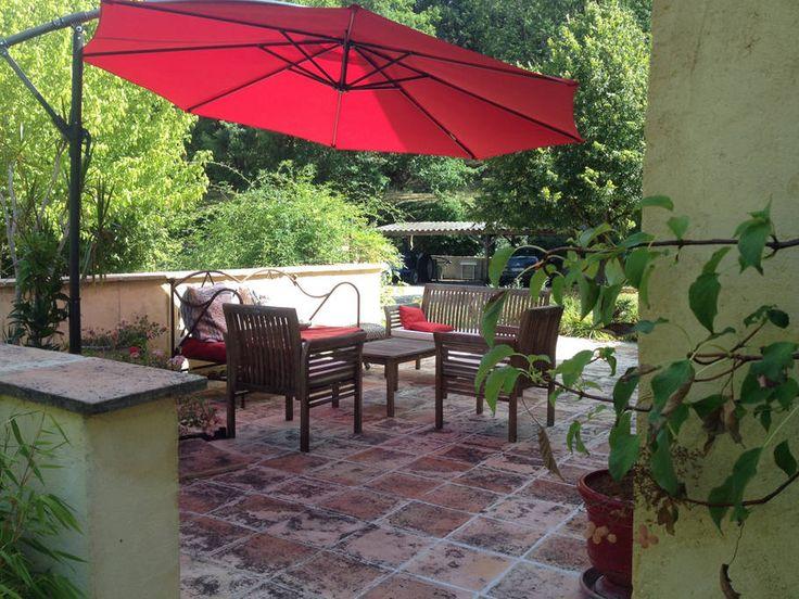 Regardez ce logement incroyable sur Airbnb : Villa de charme avec piscine - Bed & Breakfasts à louer à Lebreil