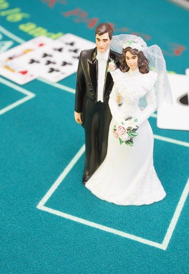Casino, jeux casino - Idées animations mariage : Toutes les idées d'animations mariage http://www.aufeminin.com/organisation-mariage/idees-animations-mariage-d14186c215405.html