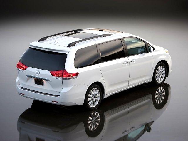 2016 Toyota Sienna hybrid redesign