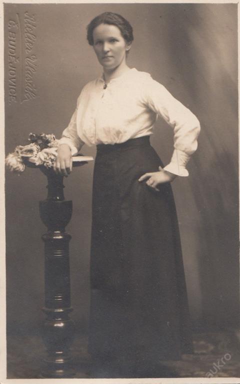Foto ateliér Vlasák, Č.Budějovice, žena móda