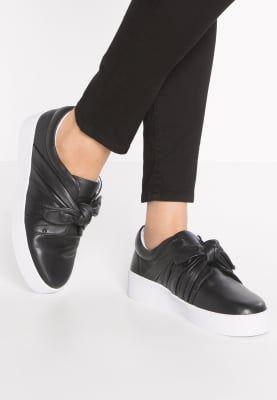 Sneakers Senso ANNIE - Instappers - ebony Zwart: 157,95 € Bij Zalando (op 10/01/17). Gratis verzending & retournering, geen minimum bestelwaarde en 100 dagen retourrecht!