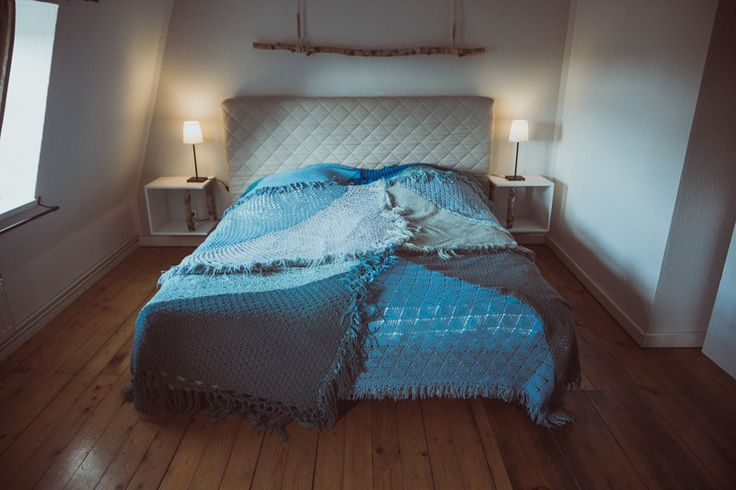 Quilts & Patchwork - Tagesdecke Überwurf Quilt aus Vintage Strick BLAU - ein Designerstück von TIPIYEAH bei DaWanda