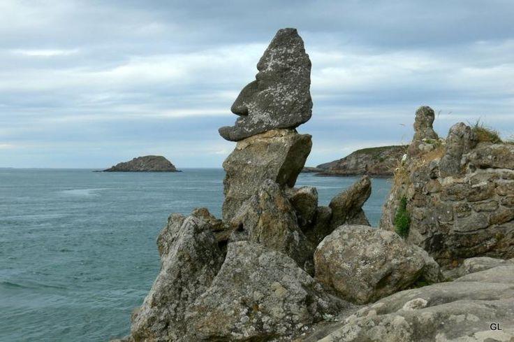 Les Rochers Sculptés De Rothéneuf : Site Touristique Saint Malo.