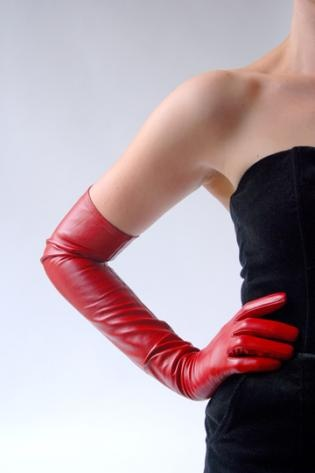past elbow gloves.Glacé Gloves made of soft and thin kidskin leather