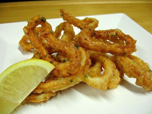 Rabas (Aros De Calamar) Fritas – Fried Calamari Rings Recipe