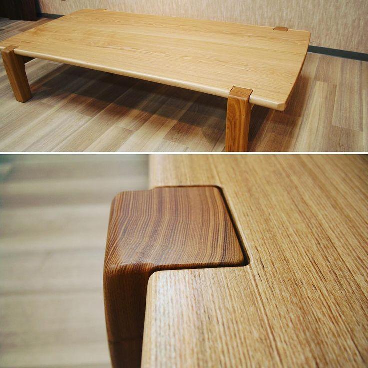 このタイプの座卓の何が好きって、天板と脚の1㎜の隙間。そして面の流れるライン。 ここはいつもギリギリを攻めてます。  何がいいのか分からないかもしれないけど、それでいい。  そして、それがいい。 オーダー分とディスプレイ用の座卓を展示中です。  #木工房ひのかわ#三代目#無垢材#タモ#家具#家具工房#オーダー家具#furniture#woodworking #CenterTable#woodwork#japanesestories#livingTable#座卓#ash#japan#流線形#道具#リビング#インテリア#2016年6月4日#九州#木工#八代#熊本#雑貨#interior#デザイン#design#テーブル