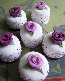 little cakes, perfect to make for any function for Rett Syndrome since they are gorgeous in purple!