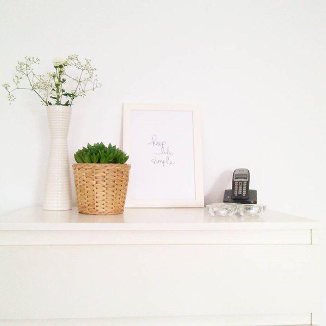 Projecto da semana já está no blog. Desta vez com o tema da decoração e um antes e depois. #movelparaguardarbrinquedos #decoracao  #decoracaonordica #decoraracasa #decorar #homedecor #homedecoration #nordicdecoration #nordicdecor #minimalism #whitelivingroom #white #ikea #ikeaportugal #organizekidstoys #whiteflowers #words #simplewords  #blogaproveitaravida  #photosinbetween #myunicornlife #theeverygirl #peoplescreative #visualcrush #proptoit #bloggervibes #morningslikethese #persuehappy…