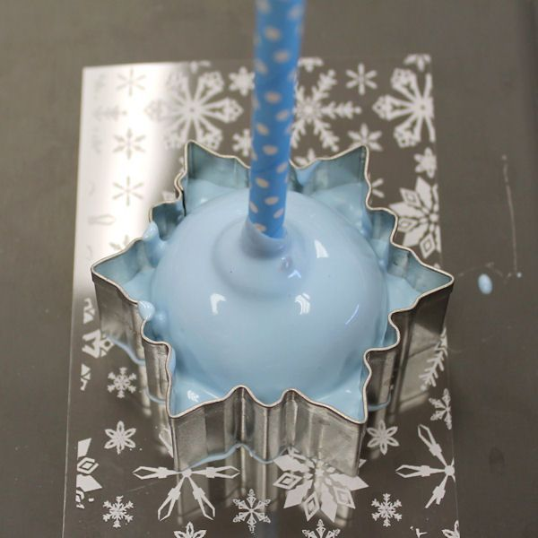 Chocolate Snowflake cake pop tutorial Cannot express how much I LOVE this (charity)