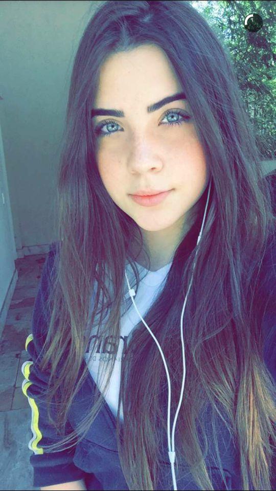 essay girl