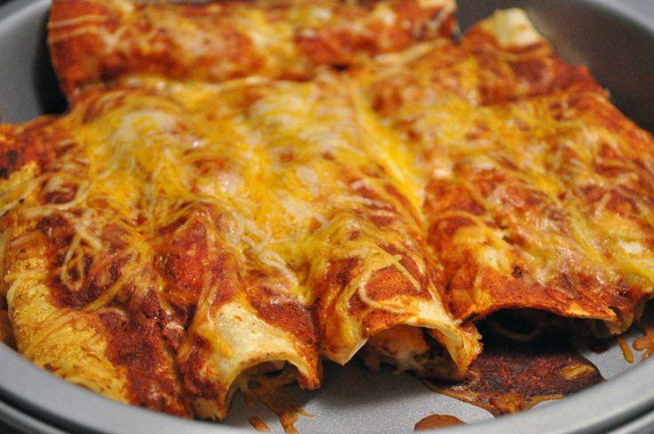 ¿Te preguntas como debe saber la auténtica enchilada mexicana? Pues sigue esta receta y en un momento la tendrás lista.
