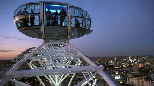 I want to visit London Towne! The London Eye. Copyright Visit Britain Images