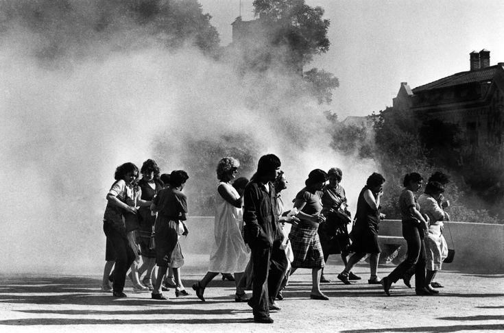 Mujeres protestando durante la dictadura chilena