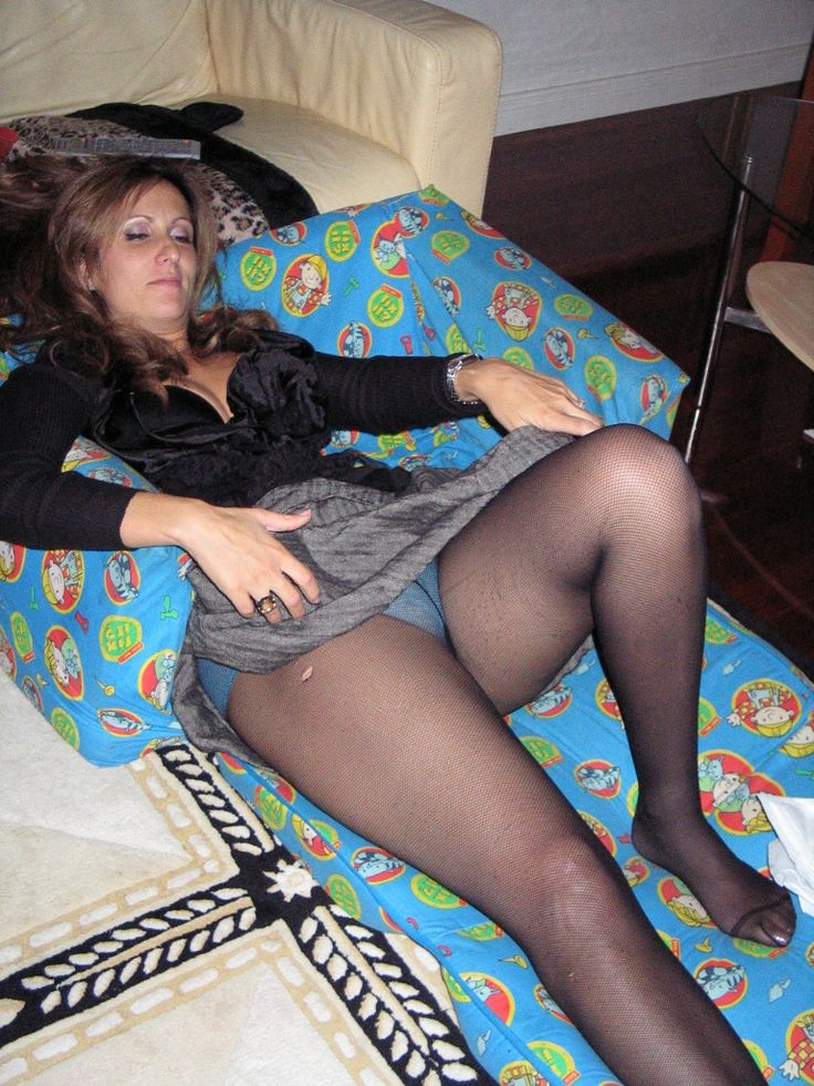 Upskirt moms and pantyhose wives you