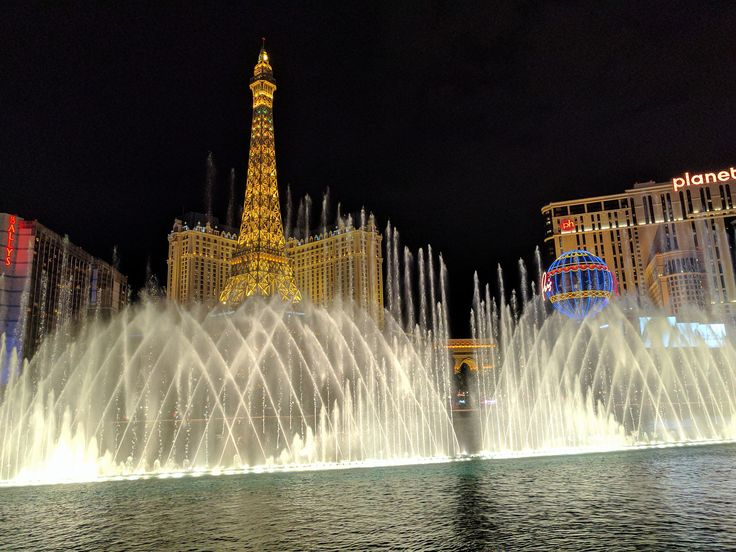 Travelling Foodie's Las Vegas Trip in 2017 highlighting what to see and do, and where to eat in Las Vegas!