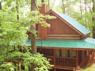 STAY 3 GET 4TH FREE! $386.34 GREAT REVIEWS! MOUNTAIN SETTING CLOSE TO PKWY!  Great Price for just us.