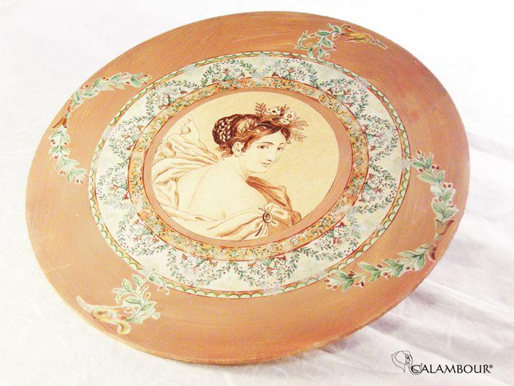 ROMAN DISH - Beautiful plate decorated with Calambour paper /// PIATTO ROMANO -  Magnifico piatto decorato con la carta per il decoupage di Calambour http://www.calambour.it/en/our-papers/paper-for-classic-decoupage/ad.html#!AD_005  http://www.calambour.it/en/our-papers/paper-for-classic-decoupage/ad.html#!AD_006