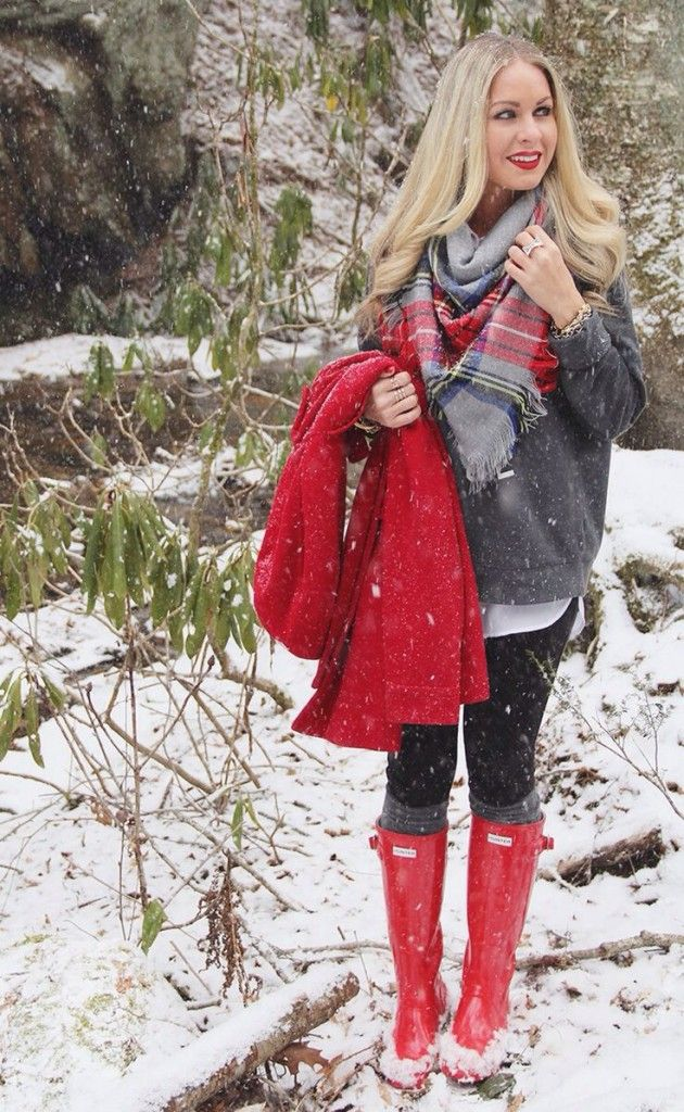 27 Red Outfits for Christmas - http://outfitideashq.com/red-outfits-for-christmas/