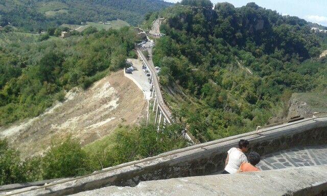 Il ponte di Civita di Bagnoregio,  vista dalla città