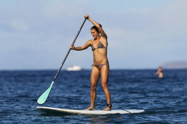 USWNT Olympic Gold Medalist for soccer, Alex Morgan, with a KIALOA Paddle